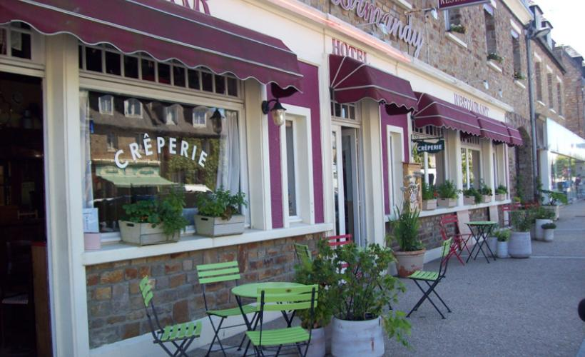 lessay-hotel-restaurant-le-normandy-1